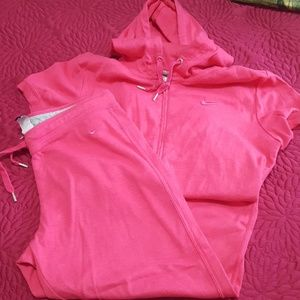 Nike pink sweat outfit